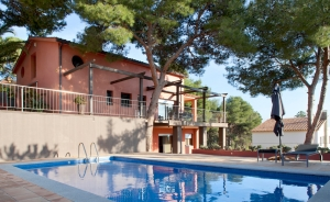 Property of 300 sqm in Montemar residential area in Castelldefels (Costa Garraf)