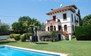 House of 360 sq m with 4 bedrooms and 3 bathrooms (Sant Andreu de Llavaneres)