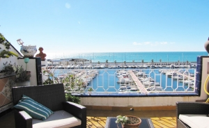 House with amazing sea views located in front of the Port d/Aiguadolç in Sitges (Costa Barcelona-Garraf)