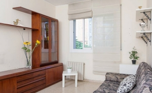 Apartment of 66 sq m with 2 bedrooms and 1 bathroom (Horta-Guinardo, Barcelona)