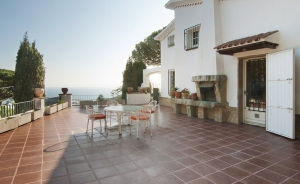Exclusive property in Premia de Dalt, with sea views (Barcelona Coast - Maresme)
